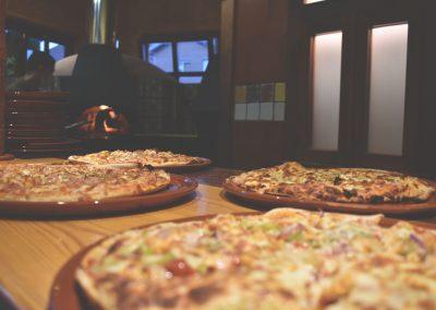 Pizzas Ubi de la Vega, Restaurante Pizzería al horno de leña.